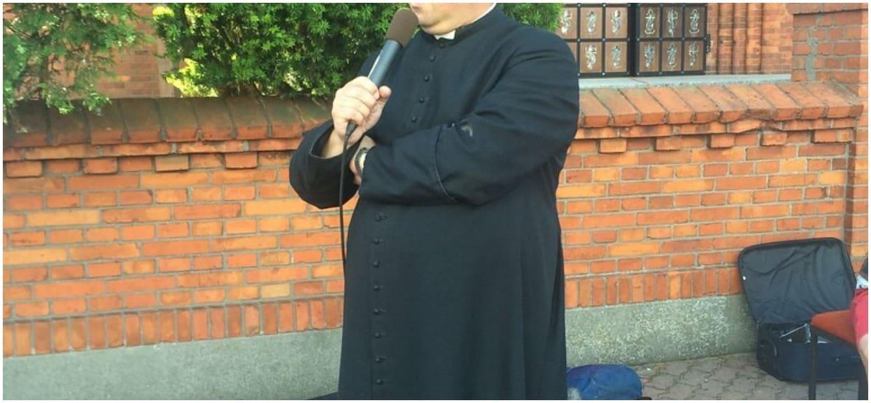 Kościół informuje księży, kiedy i gdzie mogą dotykać dziecko. Lista oburzyła wiele osób