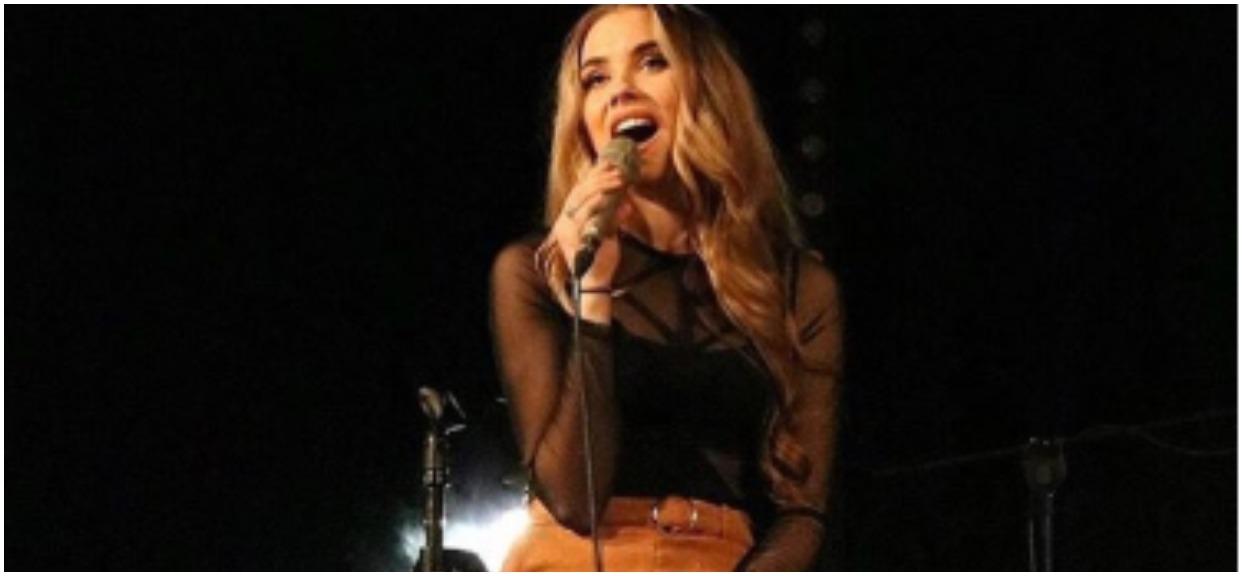 """Nowa, 20-letnie wokalistka """"Ich Troje"""" ma romans ze znanym muzykiem?! Dzieli ich 20 lat"""