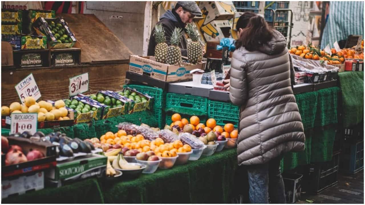 """Zakaz handlu w niedzielę jeszcze ostrzejszy. PiS szykuje """"niespodziankę"""" po eurowyborach"""