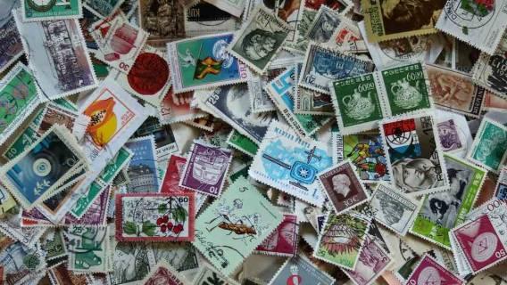 Ile kosztuje znaczek na list. Zdjęcie