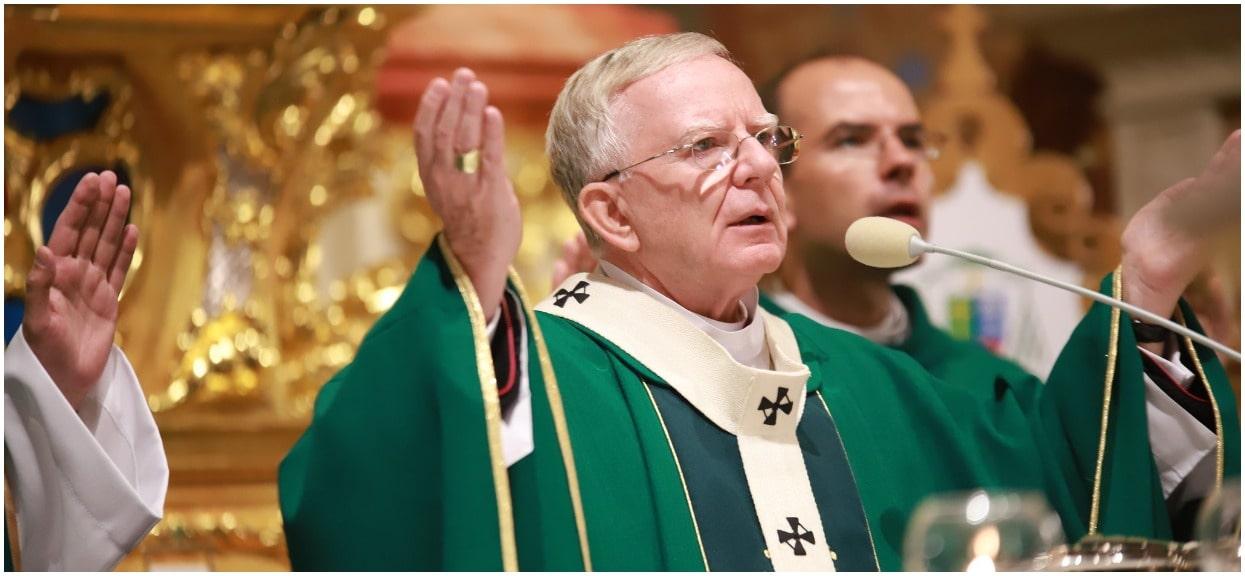"""Arcybiskup Jędraszewski: """"Usunięcie krzyża z przestrzeni publicznej to prześladowanie Kościoła"""""""