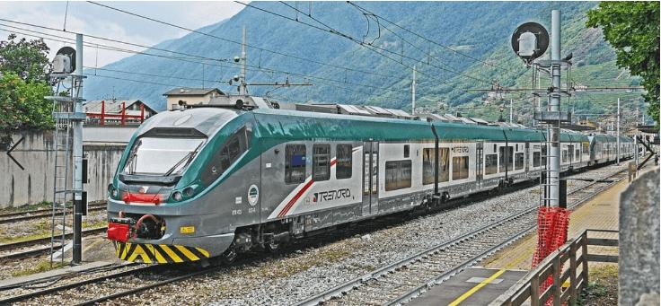 Polacy narobili wstydu we Włoszech. Szarpanina w pociągu, usiłowali skakać w trakcie jazdy