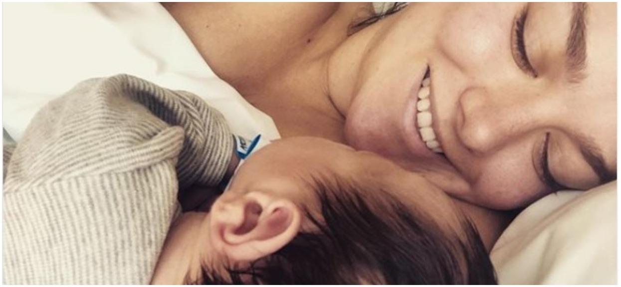 Ewa Farna właśnie urodziła. Zdjęcie dziecka już w sieci, znane płeć i imię