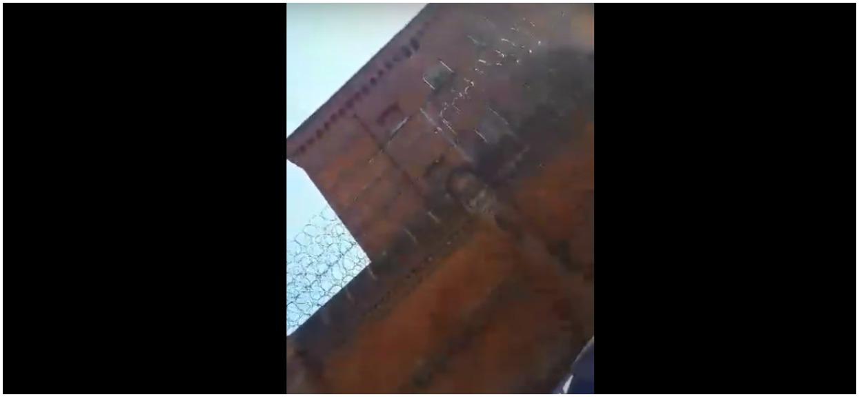 """Tak """"przywitano"""" mordercę Kristiny w areszcie, wstrząsające nagranie. """"Długo może nie przeżyć"""" (VIDEO)"""