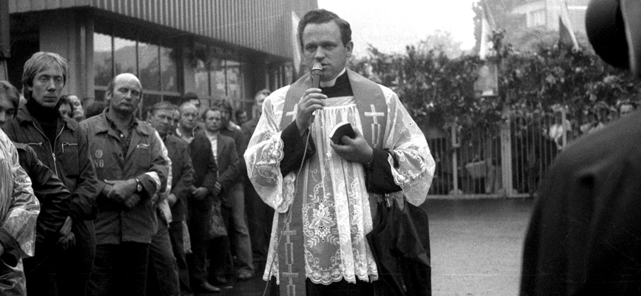 Ksiądz Waldemar C. aresztowany za pedofilię. Miał zmuszać dzieci do oglądania ohydnych filmów