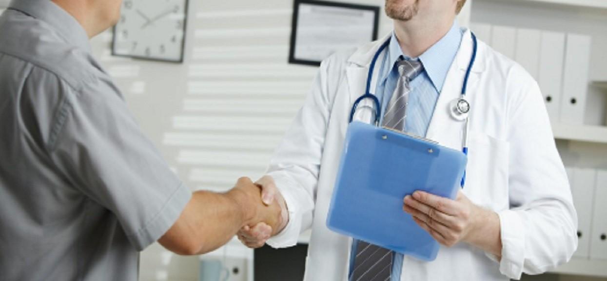 To drugi najczęstszy nowotwór, który dotyka mężczyzn. Najczęstsze objawy i możliwości leczenia
