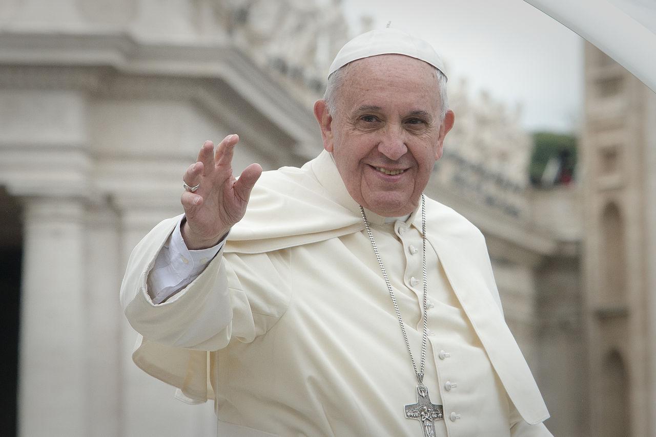 """Papieski wysłannik o filmie Sekielskich: """"Dobrze, że ten dokument powstał"""""""