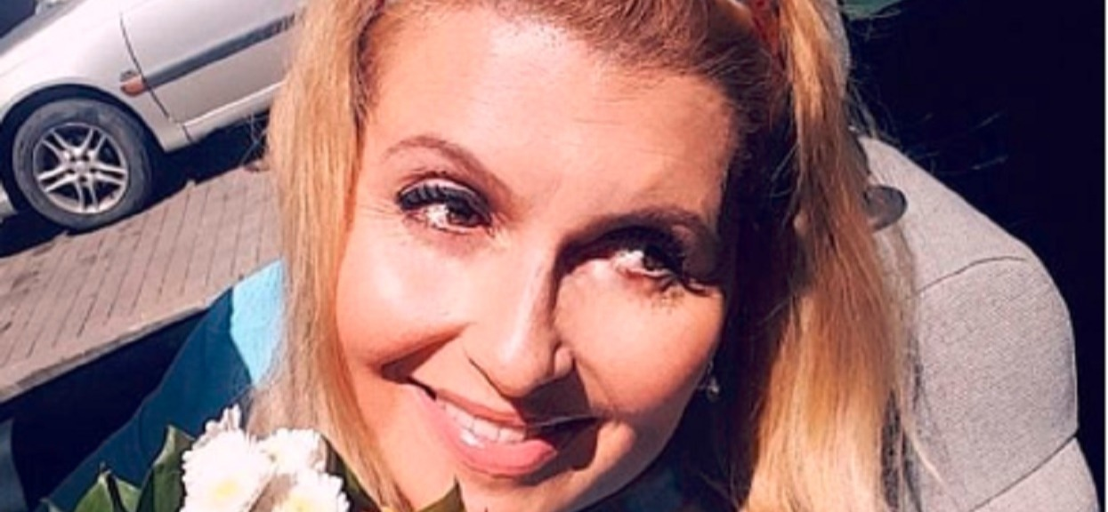 Katarzyna Skrzynecka ma brzydką kontuzję. Ale i tak wszyscy mówią tylko o nowych włosach gwiazdy