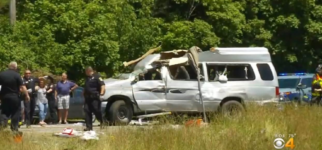 Tragiczny wypadek z udziałem busa z Polakami za granicą. Nie żyją 2 osoby, 9 rannych