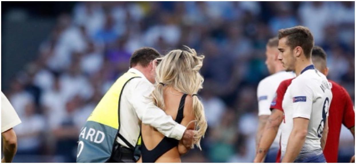 Półnaga kobieta wtargnęła na boisko podczas Ligii Mistrzów. Jej pikantne zdjęcia podbijają sieć