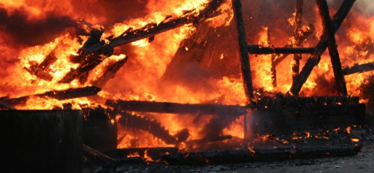 Przerażające informacje Polsatu, w płomieniach zginęła 4 małych dzieci. Najmłodsze miało 10 miesięcy