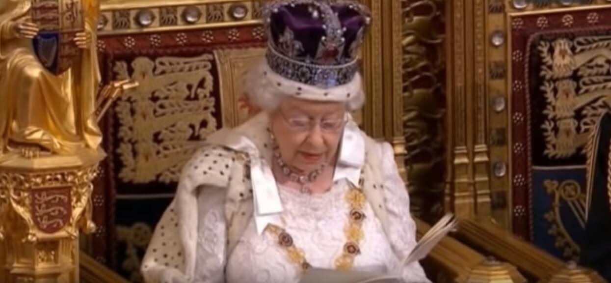 Co się dzieje?! Dom królowej Elżbiety wystawiony na sprzedaż