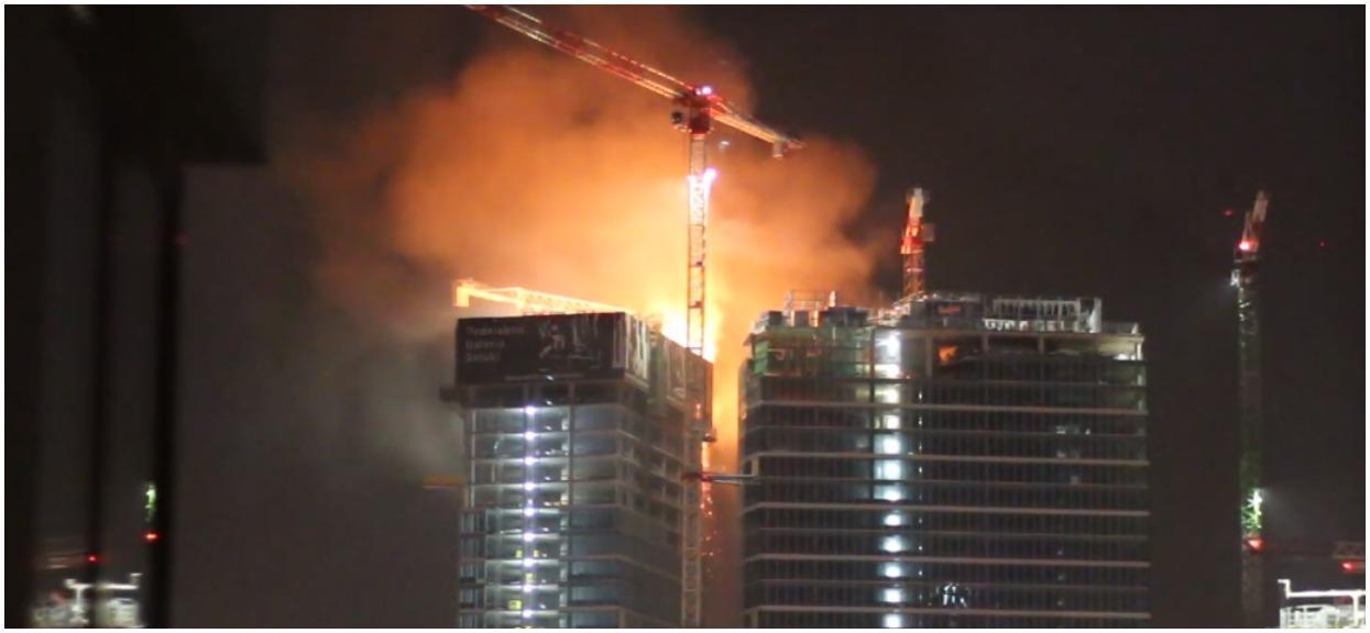 TVN właśnie przekazał nowe niepokojące informacje nt. pożaru wieżowca w centrum Warszawy. Warszawiaków czekają trudne chwile