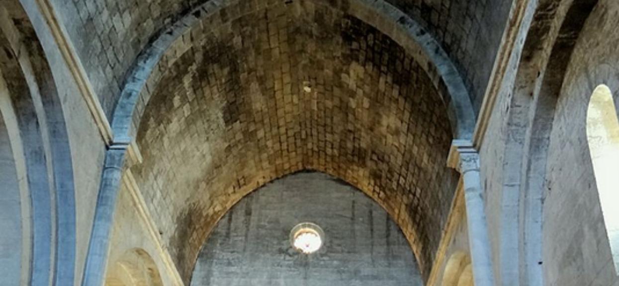 Zawalił się dach XII-wiecznego kościoła Notre-Dame-de-la-Tour. W środku było 150 parafian