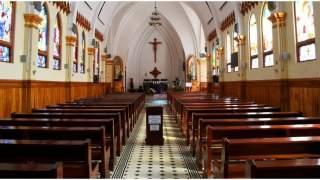 Kościół ustalił stawkę minimalną na tacę. Można też płacić kartą