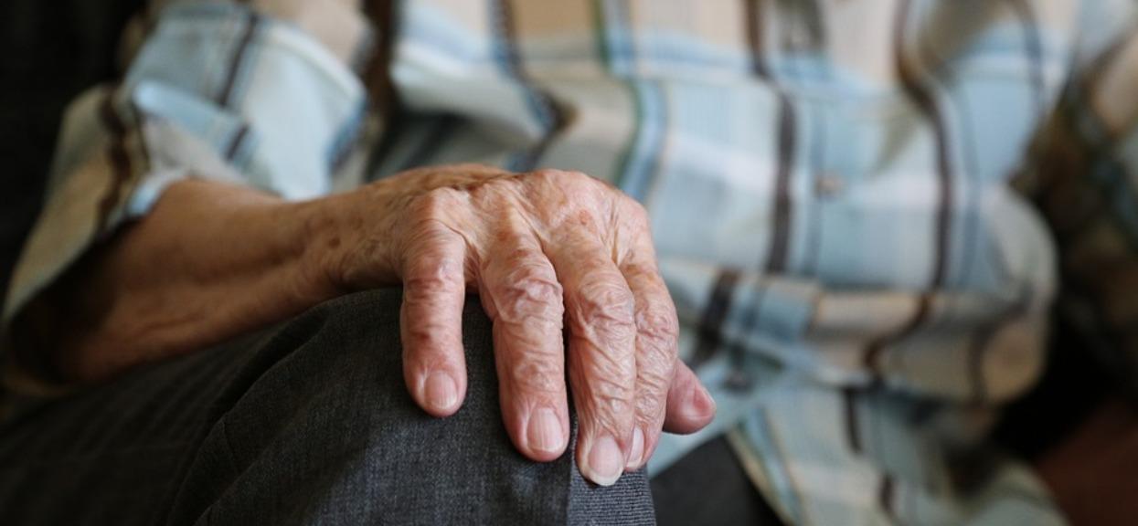 Tarnobrzeg: starszy mężczyzna pilnie potrzebował pomocy. Szczęka opada, co wymyślił syn chorego