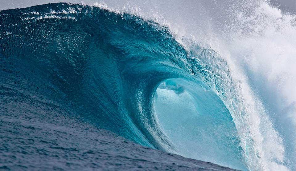 Uratował tonące w morzu dzieci. Chwilę później porwała go fala wsteczna, materiał Polsatu rozrywa serce