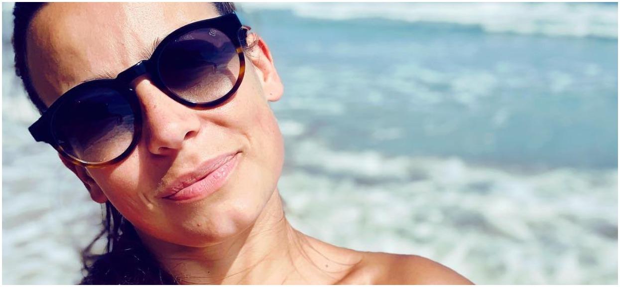 Oczy wam wyjdą z orbit. Anna Mucha pokazała się w bikini z prześwitującej folii (FOTO)