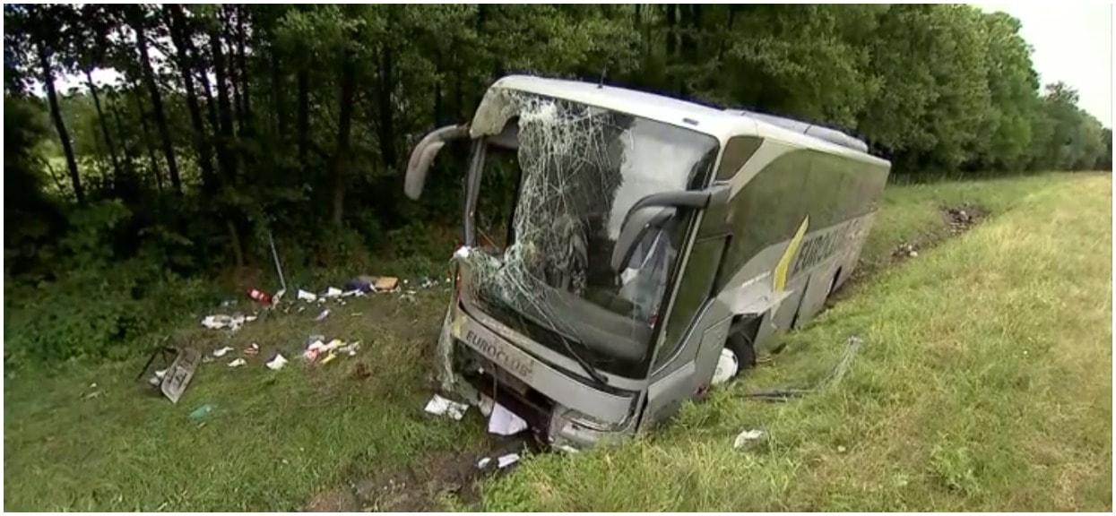 Autobus wjechał do rowu na autostradzie A4. 11 ofiar