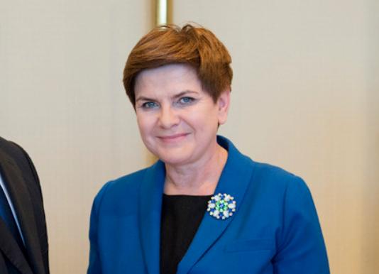Beata Szydło przegrała w Europarlamencie. Jarosław Duda: PiS został pokonany własną bronią.