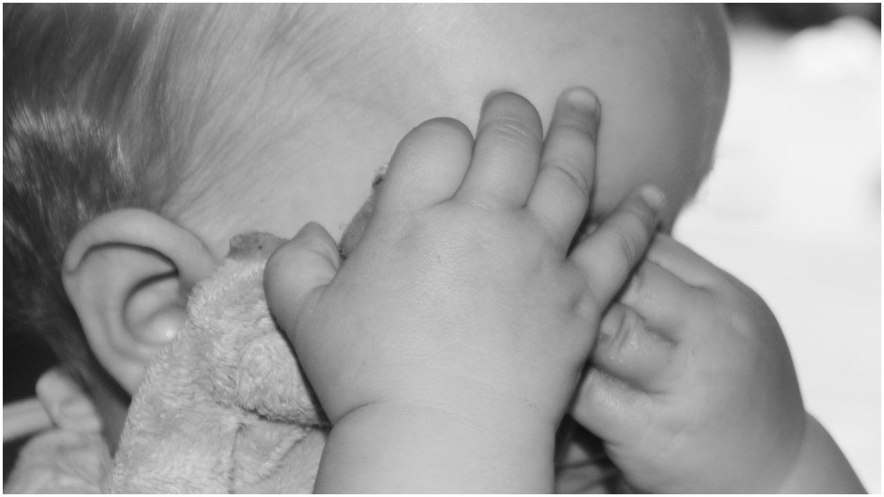 Na ciele 2-miesięcznej córeczki nie było siniaków. Dopiero sekcja zwłok wykazała, jak zabili ją rodzice