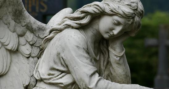 """""""Spójrzcie, gdzie wskazuje anioł"""". Po otwarciu grobów w Watykanie odnaleziono kolejną tajemnicę"""