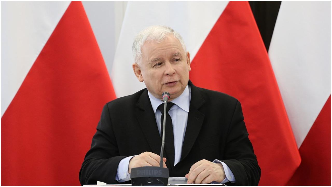 """Kaczyński zbudował sobie sektę? """"Wykreował własną rzeczywistość"""""""