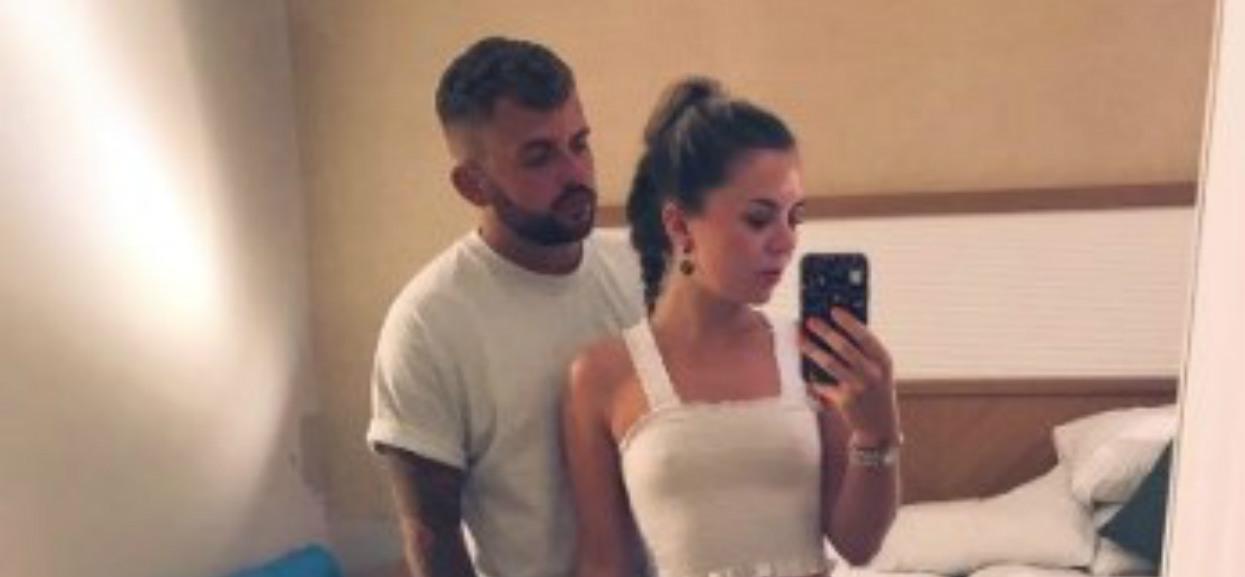 22-latka wysłała rodzicom zdjęcie z kompromitującym, intymnym szczegółem. Reakcja jej ojca jest powalająca