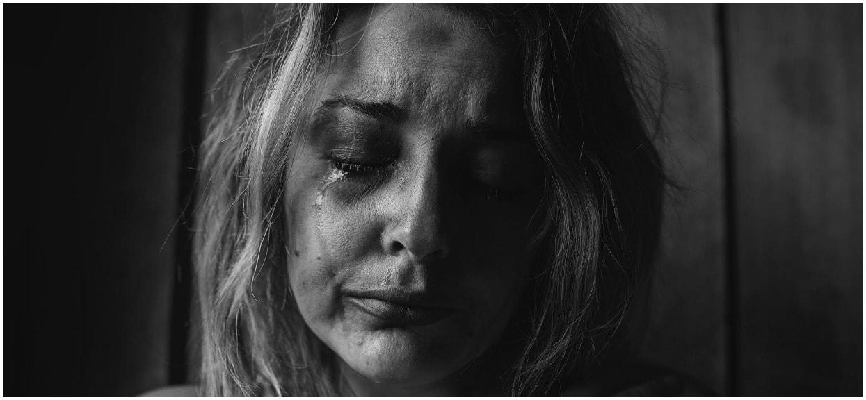 """Mama jest załamana po śmierci syna. """"Strata dziecka boli tak samo bez względu na wiek"""""""
