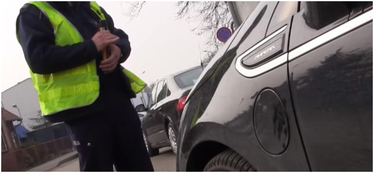 Mężczyzna prowadził samochód z piwem w dłoni. Policjanci pobledli, gdy zobaczyli, ile miał promili