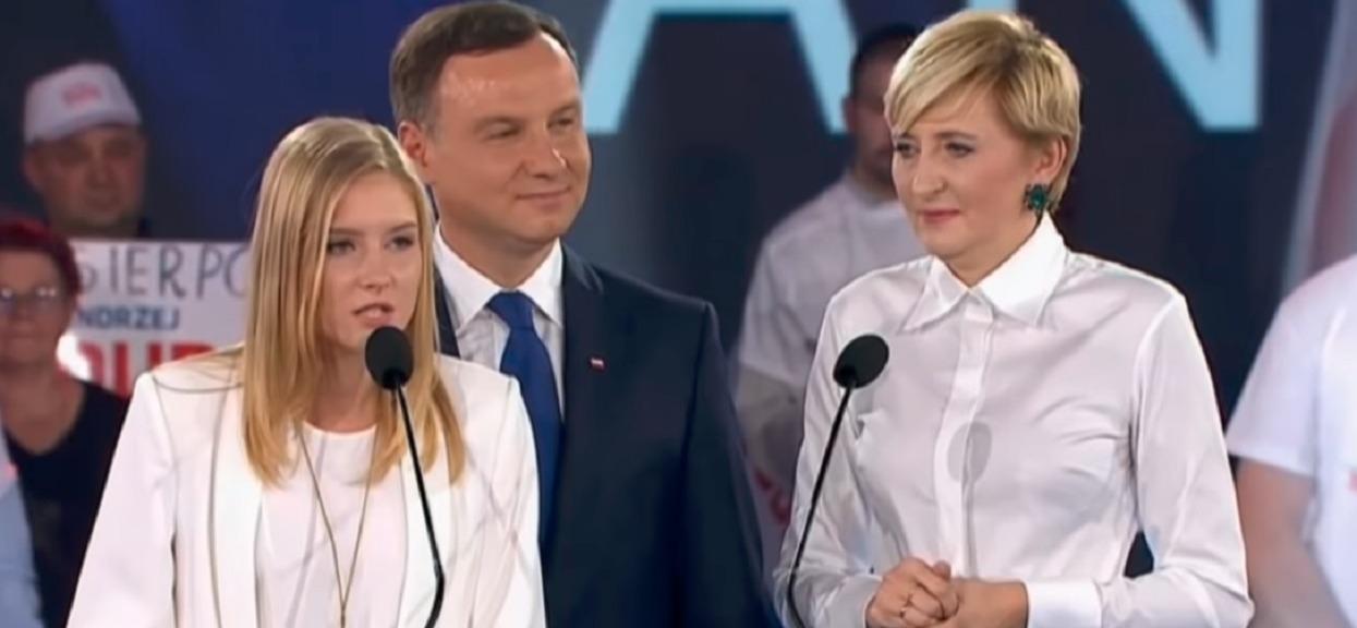 Nieoficjalne: Kinga Duda wyprowadza się z Polski na stałe. Żeby odciąć się od ojca