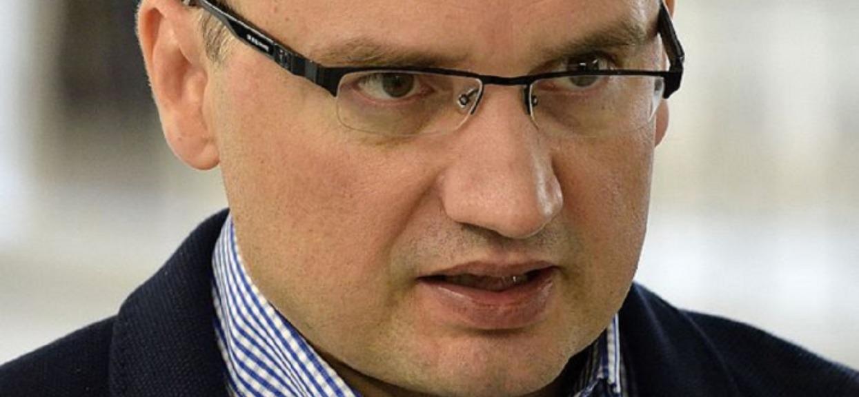 """Rzecznik Ziobry ma """"bardzo niskie kompetencje"""". Nie będzie asystentem na uczelni"""