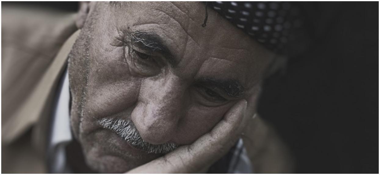 Niepojęte, policjantka tłukła po głowie 77-letniego emeryta, cukrzyka po 3 zawałach. Na oczach bezradnej żony