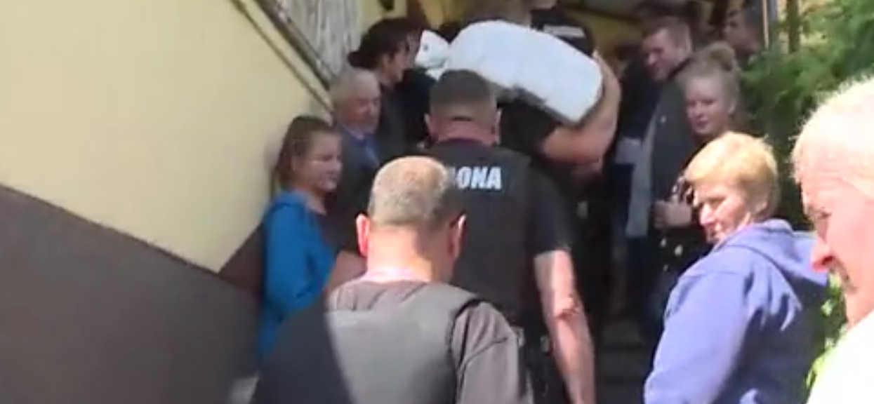 Panika w polskim banku. Klienci masowo zaczęli wypłacać pieniądze, szokujące wydarzenia w Polsacie