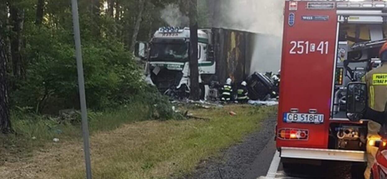 Polsat informuje o tragicznym wypadku. Wbił się w ciężarówkę i spłonął, bo chciał uniknąć czołówki