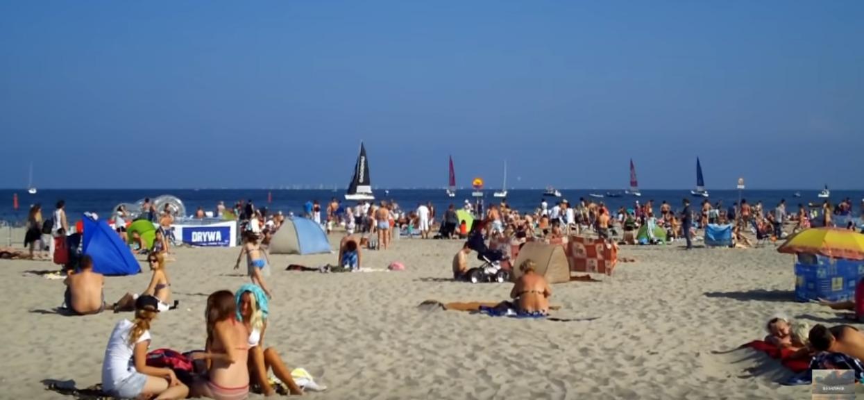 Jerzy ma niepozorną, ale imponującą pracę. To, co codziennie znajduje na plaży nad Bałtykiem, ścina z nóg