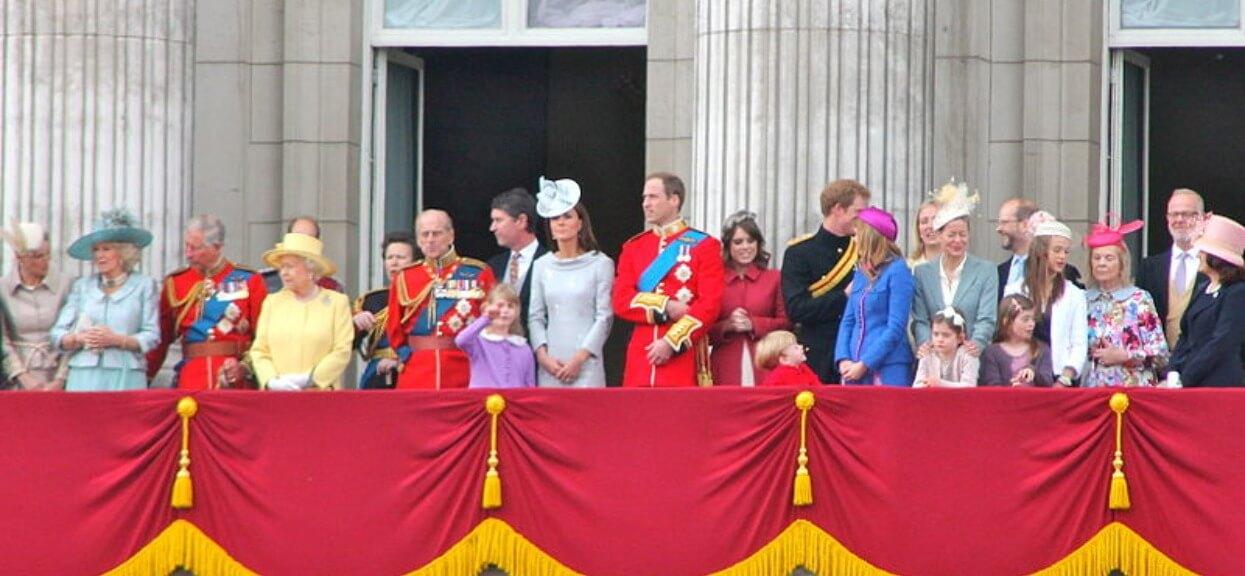 Rodzina królewska wystosowała oficjalne oświadczenie. Książę miał trzykrotnie zgwałcić nieletnią