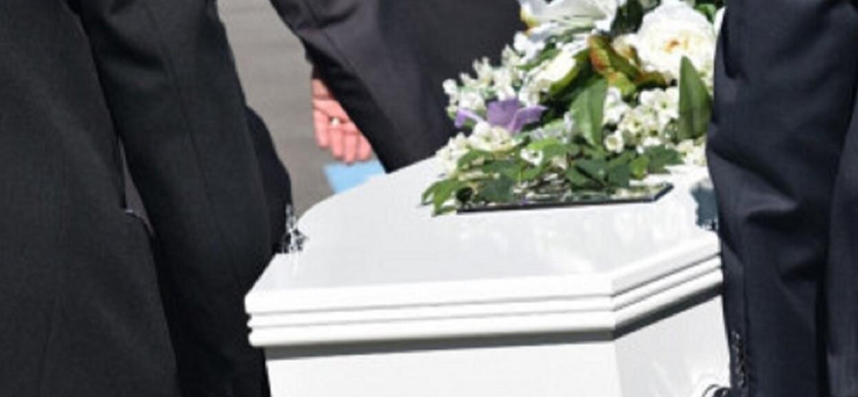 Rodzina zebrała się przed pogrzebem 20-latka. Nagle dostrzegli w trumnie ruch i zalali się łzami
