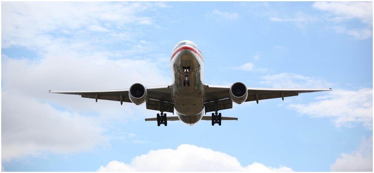 Samolot musiał lądować awaryjnie. Powodem był bardzo mały przedmiot