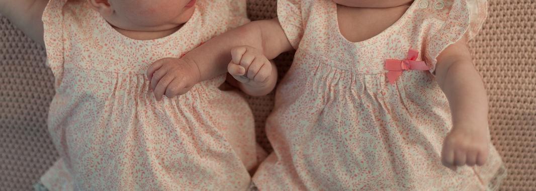 13 lat temu przeszły skomplikowaną operację. Tak wyglądają dziś słynne bliźniaczki syjamskie (FOTO)