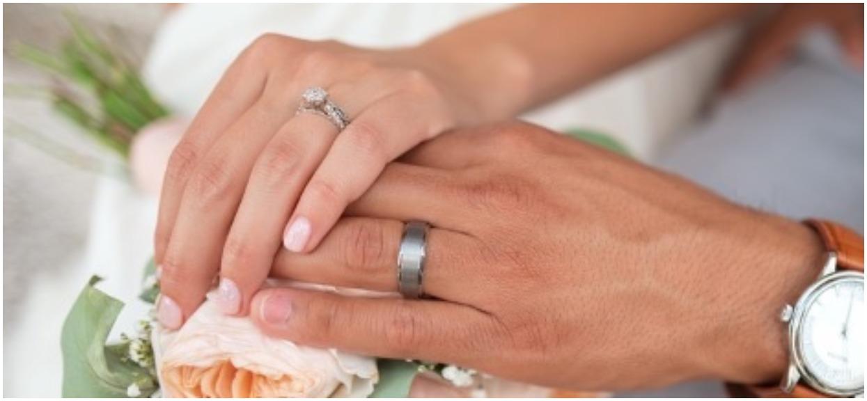 Nowożeńcy otrzymali ponad 100 kopert. Gdy Martyna otworzyła jedną z nich ciężko się oburzyła
