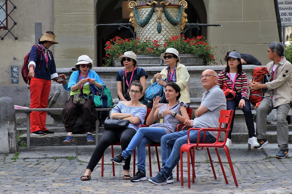 Turystki chciały zrobić zwykłe selfie. Uwieczniły na zdjęciu coś, co pomogło schwytać przestępczynię