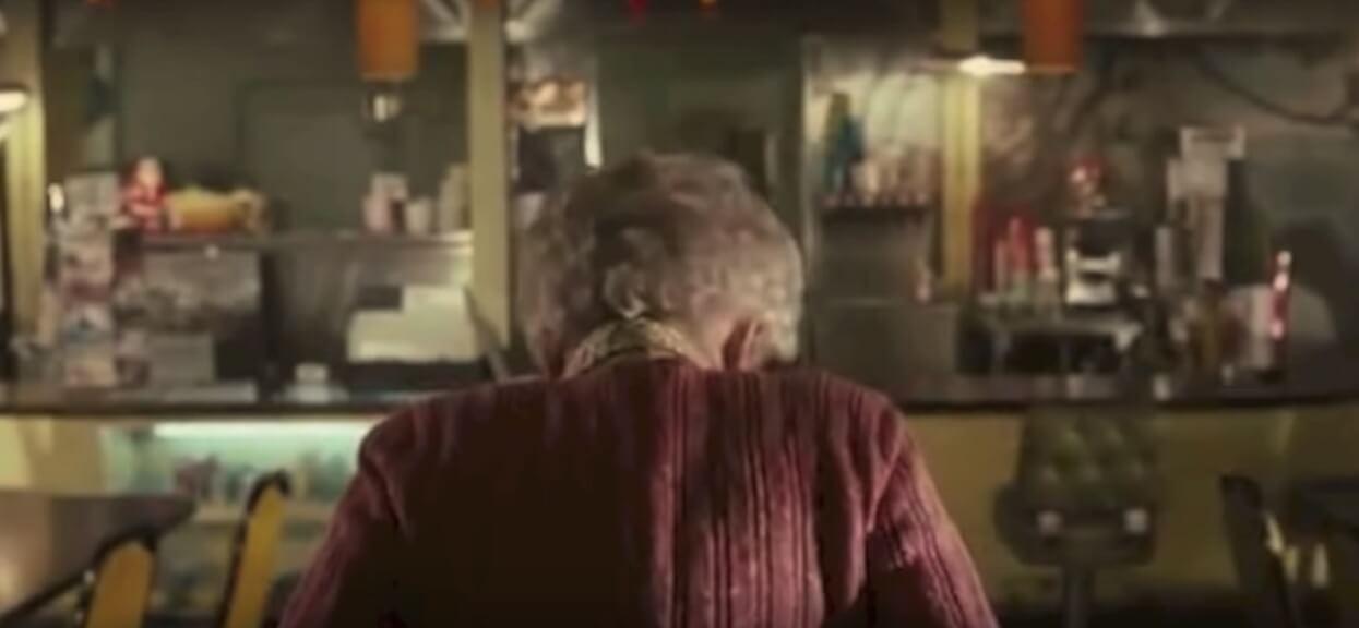 """Aż oblaliśmy się rumieńcem co robi Ela, dojrzała kobieta po śmierci męża. Rodzina uważa, że """"oszalała na stare lata"""""""