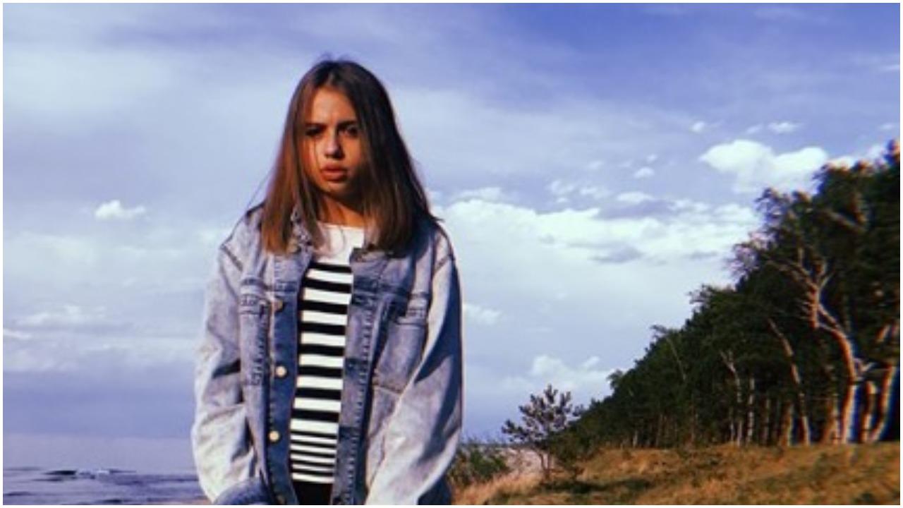 Córka Przybylskiej trzasnęła sobie makijaż i wrzuciła fotki do sieci. Efekt? Zdaniem wielu urodą zdeklasowała mamę