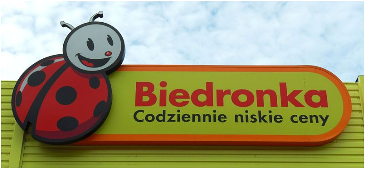 Klienci Biedronki oskarżają pracowników o perfidny proceder. Chodzi o nowe Słodziaki