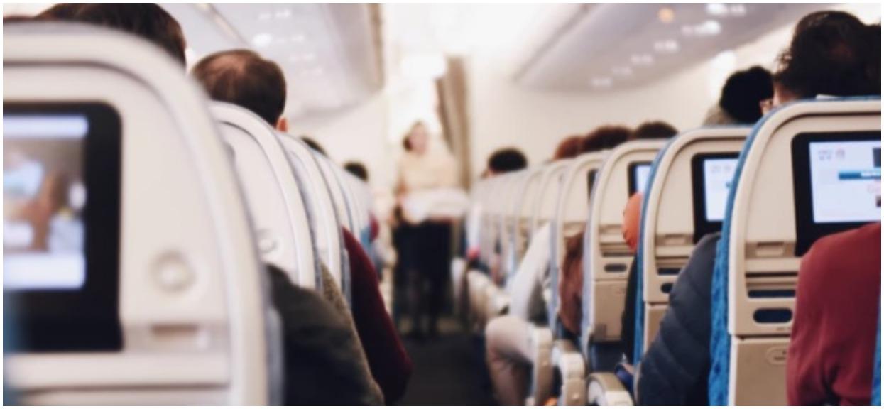 Wsiadając do samolotu nie sądziła, że spotka ją coś takiego. Zdjęcie ze środka obiegło już cały świat