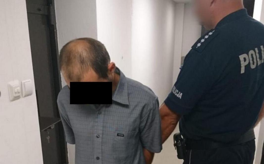 Policjanci znaleźli zakrwawionego mężczyznę na polskiej ulicy. To co go spotkało przechodzi ludzkie pojęcie