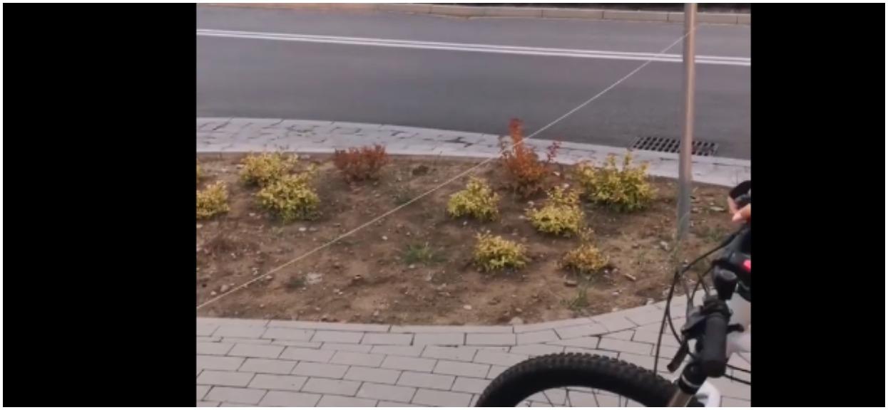 Nastolatki z Pomorza zastawiły okrutną pułapkę na ścieżce rowerowej. Nadziało się 6-letnie dziecko