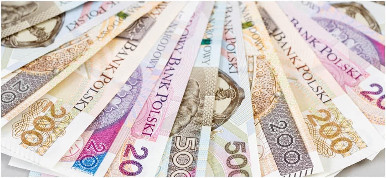 Dwóch nastolatków drukowało własne banknoty. Zakupowe szaleństwo zostało jednak nagle przerwane