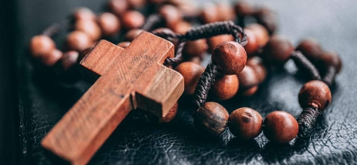 Kolejny seksualny skandal w Kościele. Jezuita oskarżony o molestowanie dzieci i kobiet